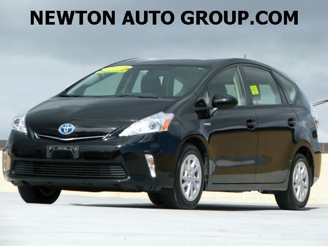 2013-Toyota-Prius-v-Three-III-wagon-Navigation-backup-camera-JTDZN3EU1D3230642-4871.jpeg